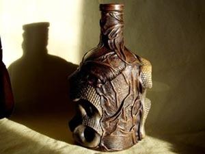 Декорируем бутылку с помощью кожи и керамики. Ярмарка Мастеров - ручная работа, handmade.