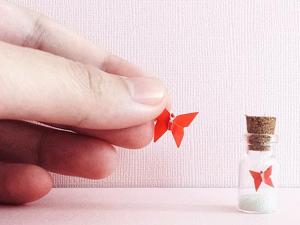 Tiny Paper Miracles by yulinelaine: 25 Origami Figures in Magic Bottles. Livemaster - handmade