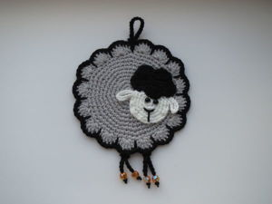 Вяжем симпатичную прихватку-овечку с ножками. Ярмарка Мастеров - ручная работа, handmade.