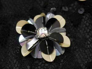 Мастер-класс по цветку из больших согнутых пайеток. Ярмарка Мастеров - ручная работа, handmade.