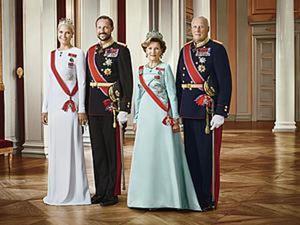 «Все могут короли», или Элегантные наряды королевской семьи Норвегии. Ярмарка Мастеров - ручная работа, handmade.