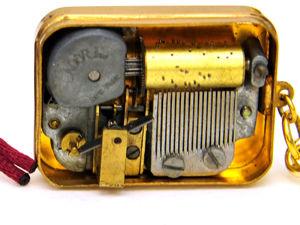 Что Подарила Мария Яну в далёком 1957 году? Музыкальный Швейцарский Брелок с Миниатюрным Механизмом. Ярмарка Мастеров - ручная работа, handmade.