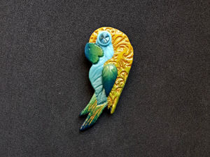 Making Parrot Brooch from Polymer Clay. Livemaster - hecho a mano - handmade.