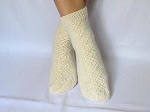 Knitting Woolen Socks on 5 Needles. Livemaster - handmade