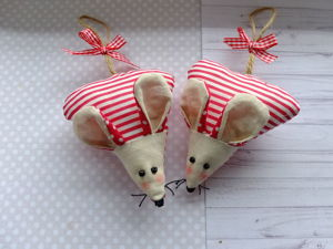 Video Tutorial: Sewing Sweet Mice from Fabric Leftovers. Livemaster - handmade