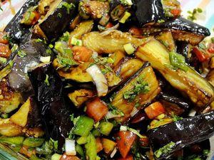 Теплый салат из баклажан! Видео–рецепт. Ярмарка Мастеров - ручная работа, handmade.