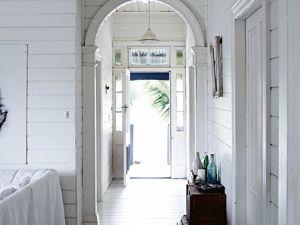 Дом в Квинсленде в белых тонах. Ярмарка Мастеров - ручная работа, handmade.
