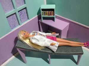 Видео мастер-класс: создаем кушетку в медицинский кабинет Барби. Ярмарка Мастеров - ручная работа, handmade.
