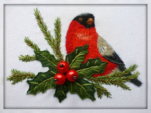 Christmas 'Bullfinch and Holly' Embroidery in Satin Stich, Part 1. Livemaster - handmade