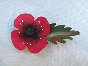 Flower Craft: Creating a Poppy Brooch. Livemaster - handmade