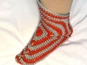 Вяжем тапочки-сапожки крючком из «бабушкиного квадрата». Ярмарка Мастеров - ручная работа, handmade.