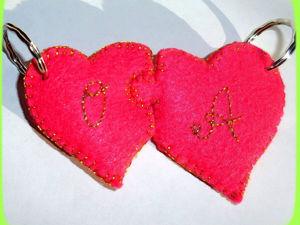 Простая идея ко Дню всех влюблённых: двойной брелок из фетра своими руками. Ярмарка Мастеров - ручная работа, handmade.