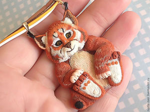 A Polymer Clay Pendant  Made with Your Own Lynx Pattern. Livemaster - handmade