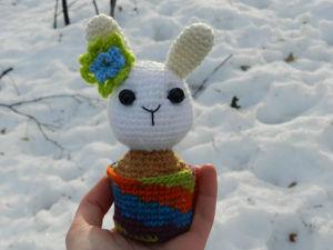 Вяжем крючком очаровательную игрушку «Кактус-зайка». Ярмарка Мастеров - ручная работа, handmade.