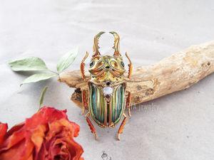 ВИДЕО. Брошь-кулон жук рогач металлик с переливами цвета из полимерной глины. Ярмарка Мастеров - ручная работа, handmade.
