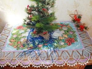 В преддверии Нового года мы рекомендуем рукодельницам все салфетки, скатерки и дорожки воспринимать как потенциальные заготовки для творчества. Ярмарка Мастеров - ручная работа, handmade.