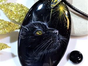 Полночь – черная кошка с золотыми глазами, кулон с лаковой миниатюрной росписью. Ярмарка Мастеров - ручная работа, handmade.
