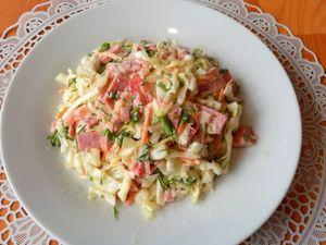 Салат с полукопченой колбасой и капустой. Ярмарка Мастеров - ручная работа, handmade.