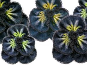 Мастерим «Анютины глазки» из джинсовой ткани. Ярмарка Мастеров - ручная работа, handmade.