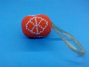 Изготавливаем новогоднюю игрушку «Мандаринки» в технике «вязание бисером»: видео мастер-класс. Ярмарка Мастеров - ручная работа, handmade.