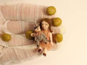 Фарфоровая миниатюра  Горошинка. Ярмарка Мастеров - ручная работа, handmade.