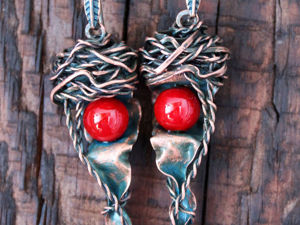 How to Create Silent Hill Earrings from Copper and Coral. Livemaster - handmade