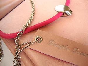 Обработка кожаным руликом крышки сумки. Ярмарка Мастеров - ручная работа, handmade.