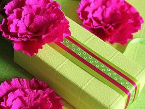 DIY Flowers from Crepe Paper for Gift Wrapping. Livemaster - handmade
