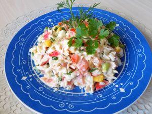 Салат из крабовых палочек с гавайской смесью овощей. Ярмарка Мастеров - ручная работа, handmade.