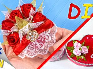 Видео мастер-класс: изготавливаем своими руками подарочный магнит с розами из атласных лент. Ярмарка Мастеров - ручная работа, handmade.