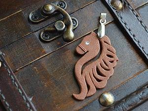 """Кулон """"Лошадь"""" из полимерной глины. Ярмарка Мастеров - ручная работа, handmade."""