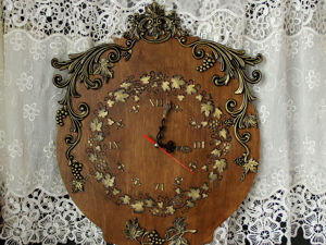 Большие часы с лепкой  «Виноградники Тосканы». Ярмарка Мастеров - ручная работа, handmade.