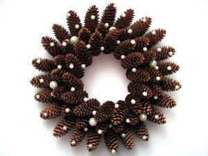 Мастерим Рождественский венок из еловых шишек. Ярмарка Мастеров - ручная работа, handmade.