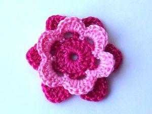 Вяжем крючком двухцветный цветочек. Ярмарка Мастеров - ручная работа, handmade.