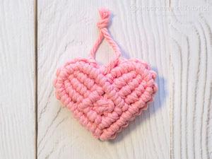 Плетём брелок Сердце 3D в технике макраме. Ярмарка Мастеров - ручная работа, handmade.