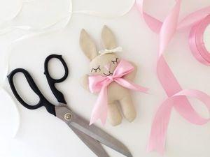 Мастер-класс по созданию игрушки «Зайка» для малыша. Ярмарка Мастеров - ручная работа, handmade.