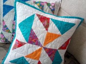 Лоскутные подушки в подарок при покупке одеяла Белые росы. Ярмарка Мастеров - ручная работа, handmade.