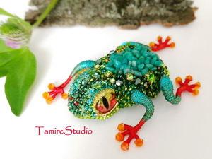 Брошь из бисера «Тропический Лягушонок». Ярмарка Мастеров - ручная работа, handmade.