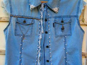 Превращаем джинсовую куртку в эксклюзивную жилетку. Ярмарка Мастеров - ручная работа, handmade.