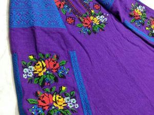 Новинка и АКЦИЯ! Фиолетовое платье из льна с многоцветной вышивкой. Ярмарка Мастеров - ручная работа, handmade.