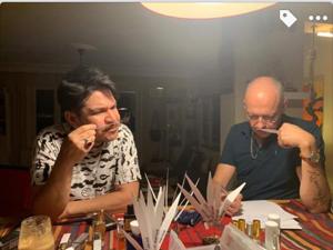 Когда спорят парфюмеры Хорхе  Ли и Рикардо Рамос за то чьим будет сэмпл твоего  «Дикого мёда»  — это же счастье!. Ярмарка Мастеров - ручная работа, handmade.
