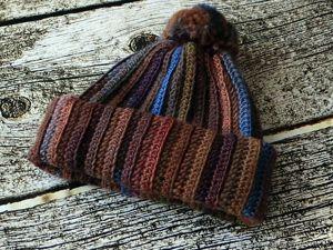 Скидка 20%! Бохо шапка объемная с помпоном цветная вязаная крючком. Ярмарка Мастеров - ручная работа, handmade.