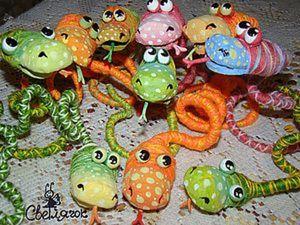 Симпатичные змеюшечки своими руками. Ярмарка Мастеров - ручная работа, handmade.