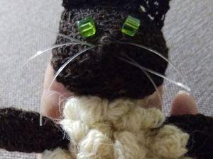 Вяжем ёлочную игрушку «Снежный котик». Ярмарка Мастеров - ручная работа, handmade.