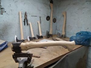 Чистовая шлифовка и полировка топорищ. Ярмарка Мастеров - ручная работа, handmade.