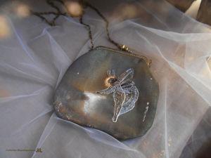 Сумочка  «Дух ночи»  с ручной вышивкой и росписью, больше фото. Ярмарка Мастеров - ручная работа, handmade.