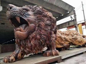 Гигантский деревянный лев скульптора Dengding Rui Yao. Ярмарка Мастеров - ручная работа, handmade.