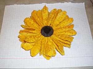 Создаем брошь в виде подсолнуха. Ярмарка Мастеров - ручная работа, handmade.