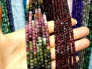 Натуральные камни на нитках : нефрит турмалин гранат рубин бирюза горный хрусталь флюорит шпинель. Ярмарка Мастеров - ручная работа, handmade.