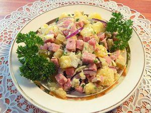 Картофельный салат с солеными огурцами, сосисками и плавленым сыром. Ярмарка Мастеров - ручная работа, handmade.